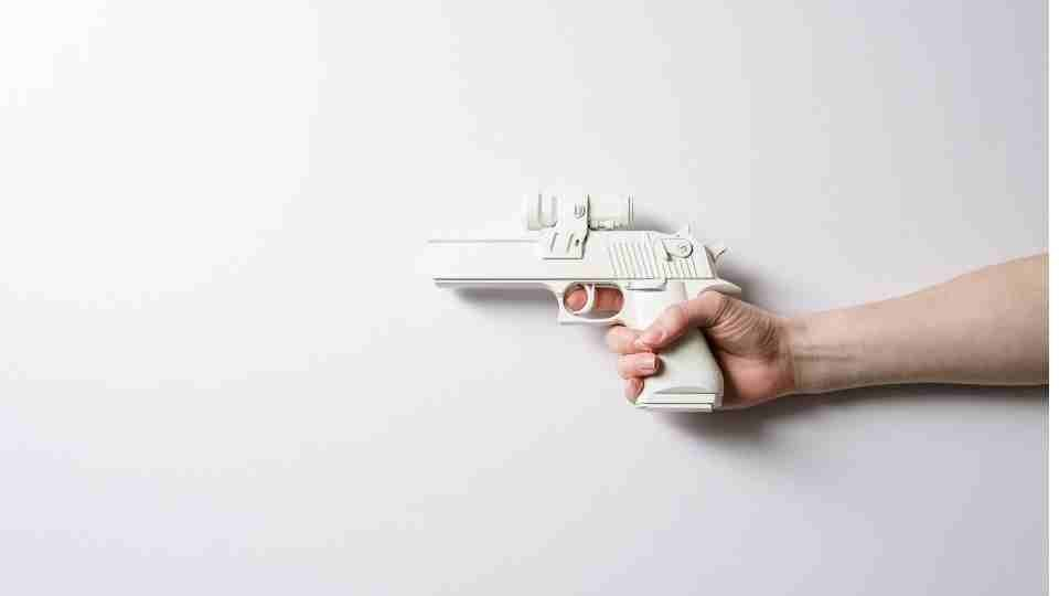 39 Types of Dream About Getting Shot & Their Interpretations