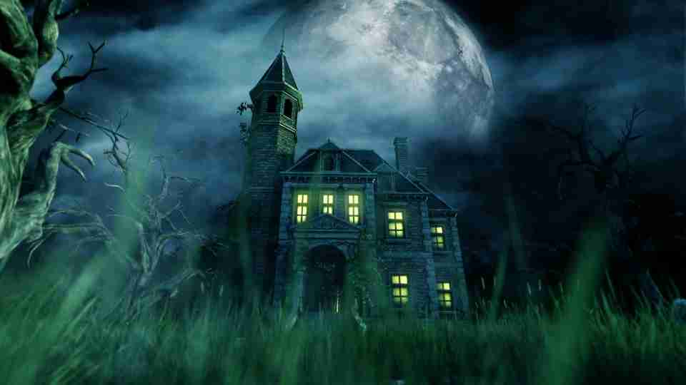 Dream of Haunted House - A Complete Guide with Meanings & Examples